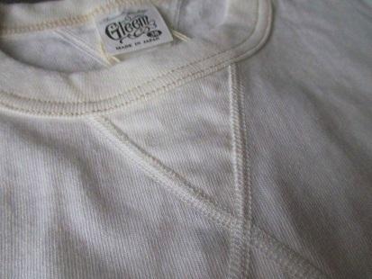 ガゼット付きTシャツ